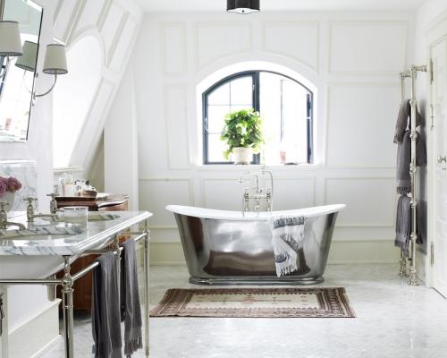 The Usk Bateau Bath
