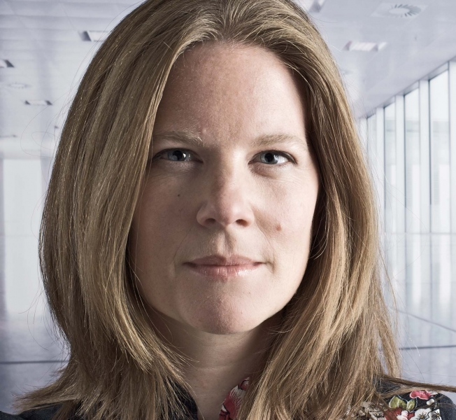 Roca London Gallery Host - jumpthegap talk with Sophie Thomas: Why is good design so important for the economy?