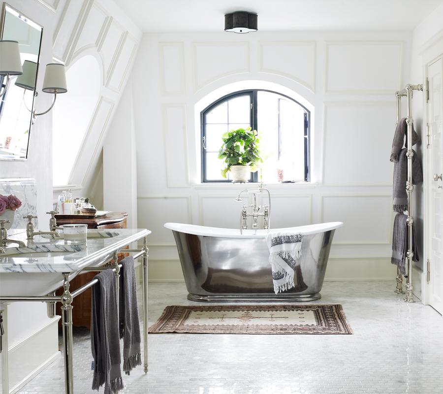 The Usk Bateau bath by Drummonds
