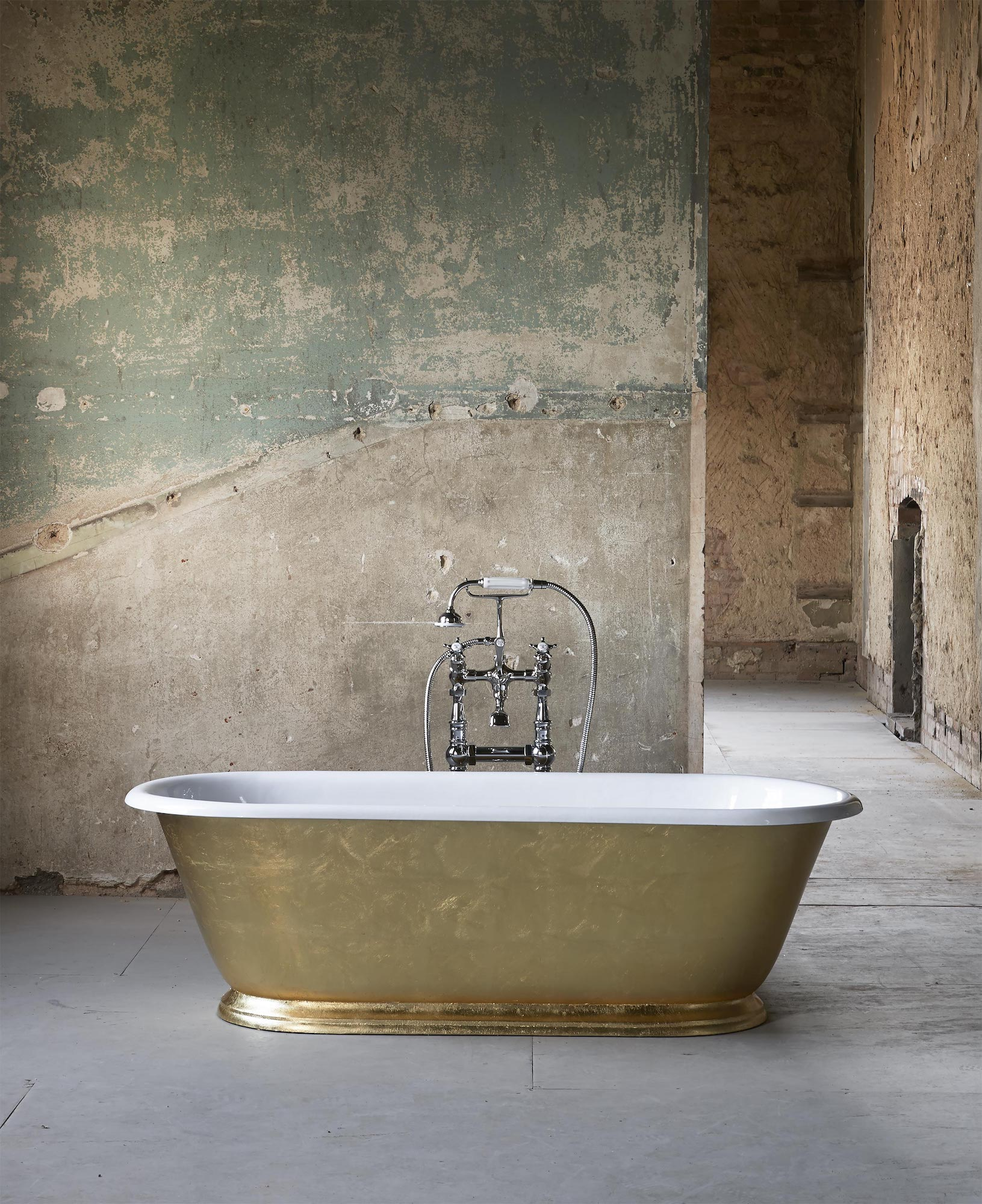 Tamar Cast Iron Skirted Bath, Drummonds