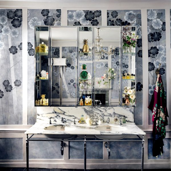 Drummonds provide centre piece to Kate Moss' bathroom